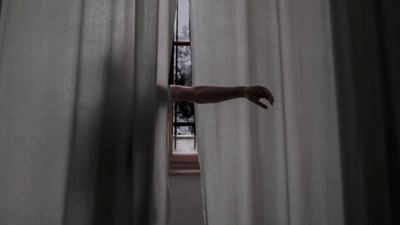 Can You See Through Curtains At Night