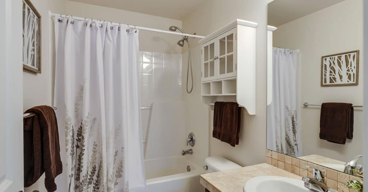 Does A Polyester Shower Curtain Need A Liner?